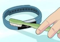 Cleanin smelly fitbit